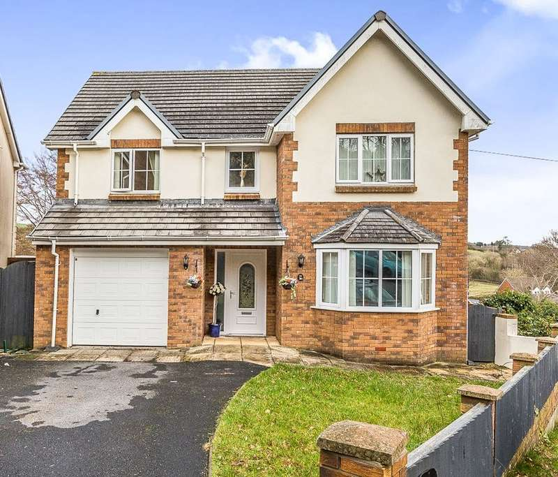 4 Bedrooms Detached House for sale in Nantygro, Llangennech, Llanelli