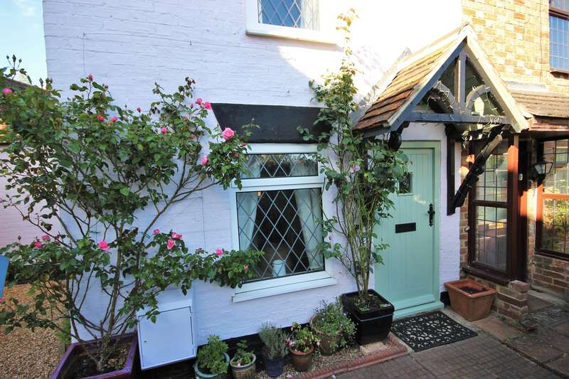 2 Bedrooms Cottage House for sale in The Green, Marston Moretaine, Bedford, MK43