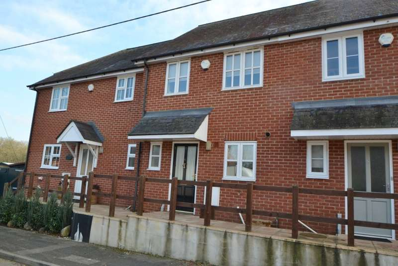 2 Bedrooms Terraced House for sale in Sandleheath