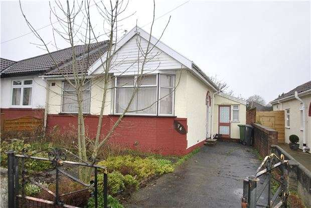 2 Bedrooms Semi Detached Bungalow for sale in Park Road, Staple Hill, BRISTOL, BS16 5LG