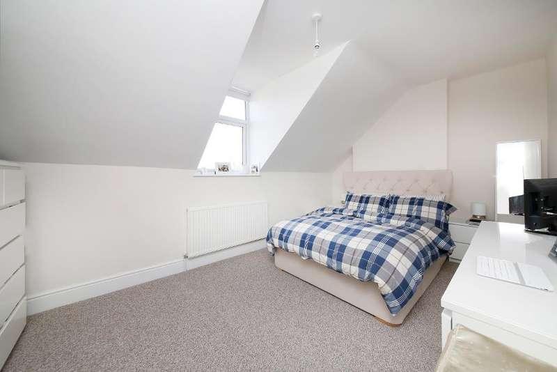 3 Bedrooms Flat for sale in Melvin Road, Penge, London, SE20 8EU