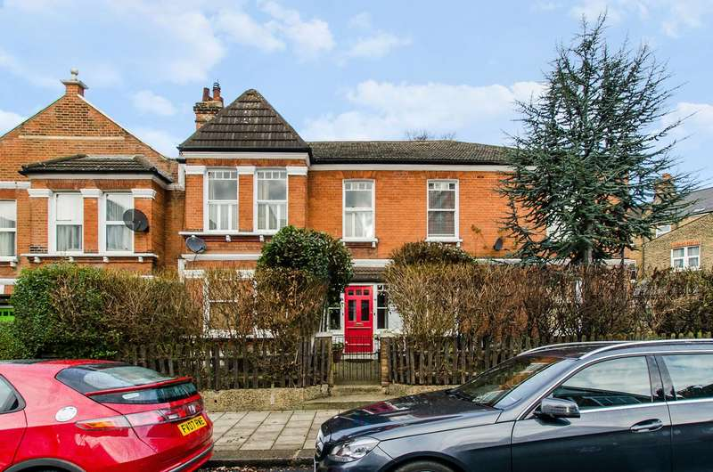 3 Bedrooms Maisonette Flat for sale in Sternhold Avenue, Telford Park, SW2