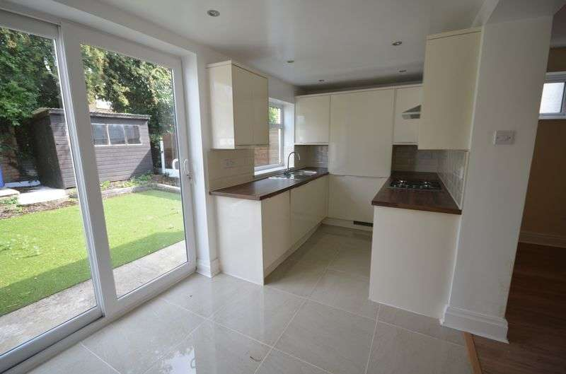 3 Bedrooms Semi Detached House for sale in 23 Compley Avenue, Poulton-Le-Fylde, Lancs FY6 8AL