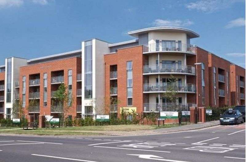 2 Bedrooms Flat for sale in Corbett Court, The Brow, Burgess Hill, West Sussex: Two bed, Two bathroom Assisted Living retirement apartment