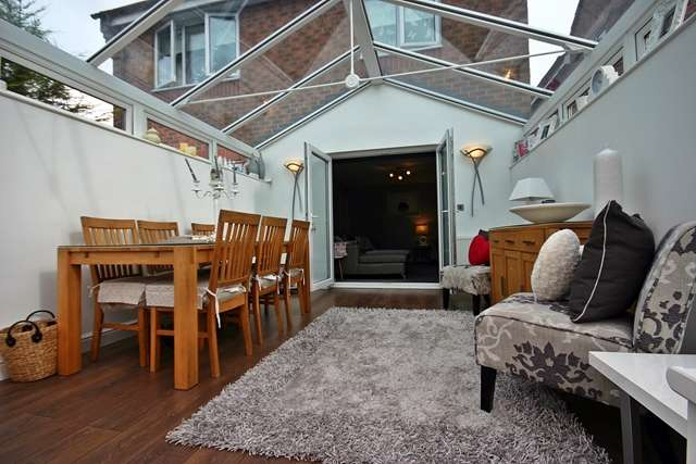 4 Bedrooms Detached House for sale in Greensbridge Gardens, Westhoughton, BL5