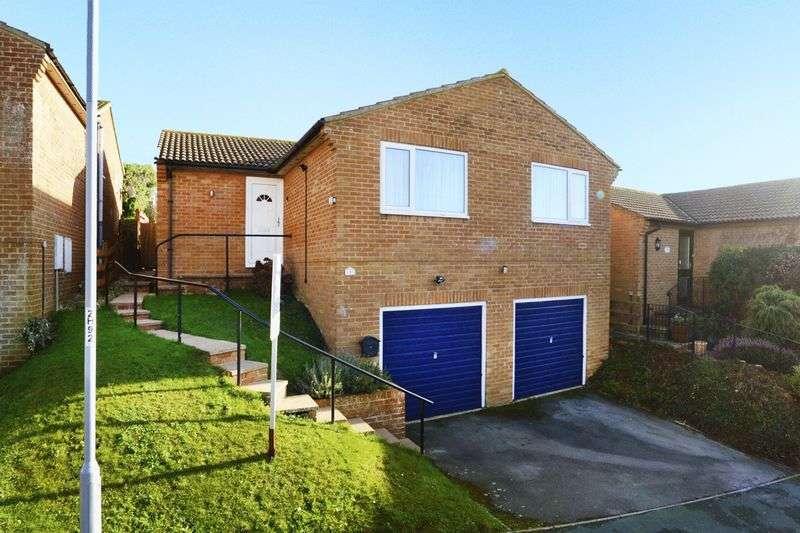 3 Bedrooms Detached Bungalow for sale in Haymoor Avenue, Weymouth, DT3