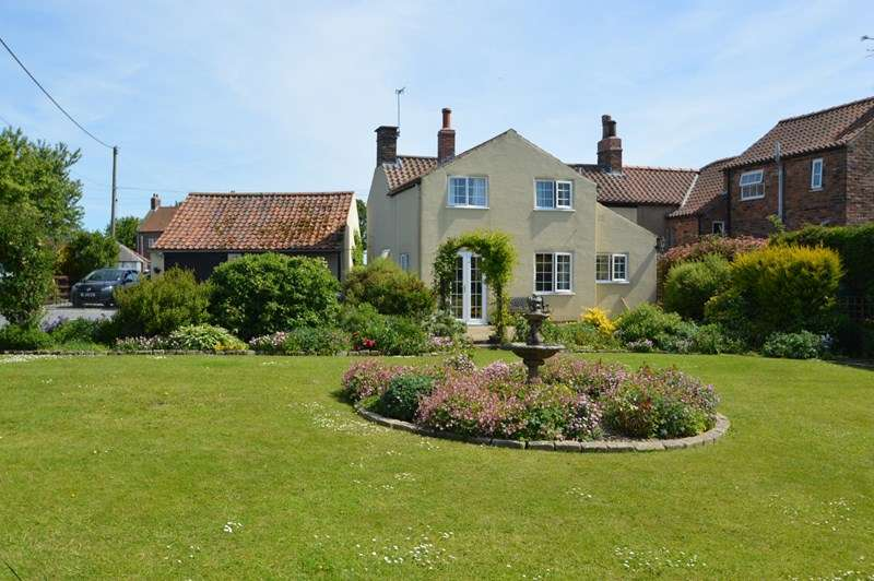 3 Bedrooms Semi Detached House for sale in Ryton, Near Malton