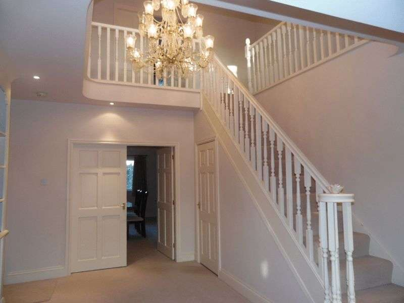 5 Bedrooms Detached House for sale in St Pauls Drive, Houghton Le Spring