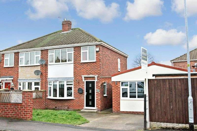 3 Bedrooms Semi Detached House for sale in Meadow Road, Castleford