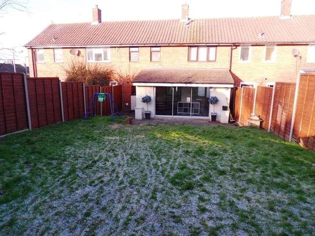3 Bedrooms Terraced House for sale in Three Bedroom Extended Family Home