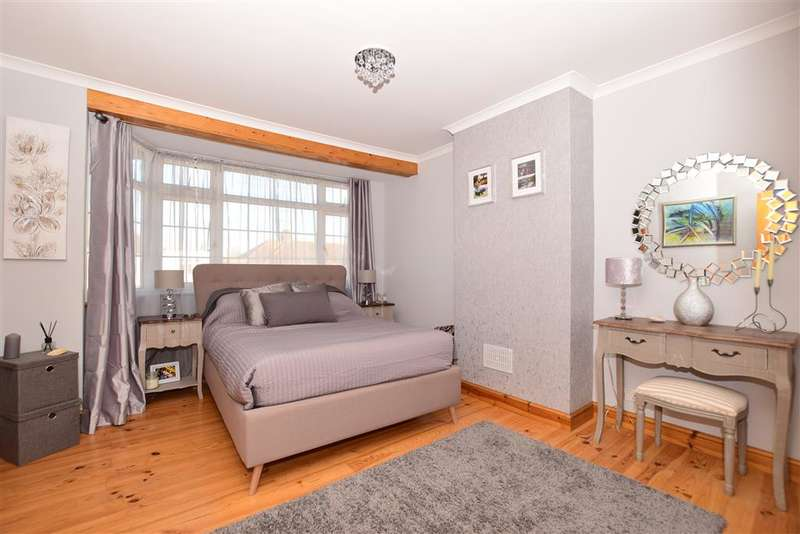2 Bedrooms Terraced House for sale in Tyrrell Avenue, Welling, Kent