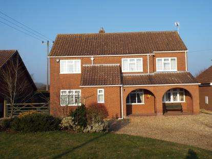 4 Bedrooms Detached House for sale in Stow Bridge, King's Lynn, Norfolk