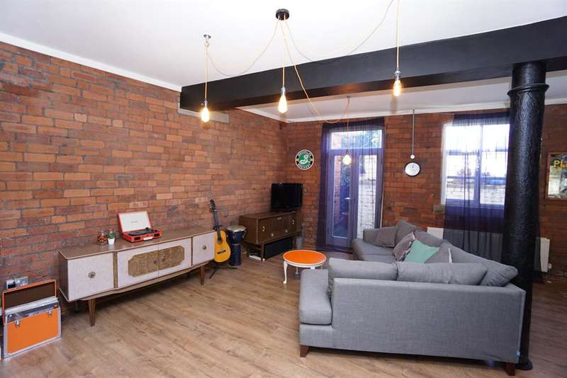 2 Bedrooms Ground Flat for sale in Bedford Street, Upperthorpe, Sheffield, S6 3BT