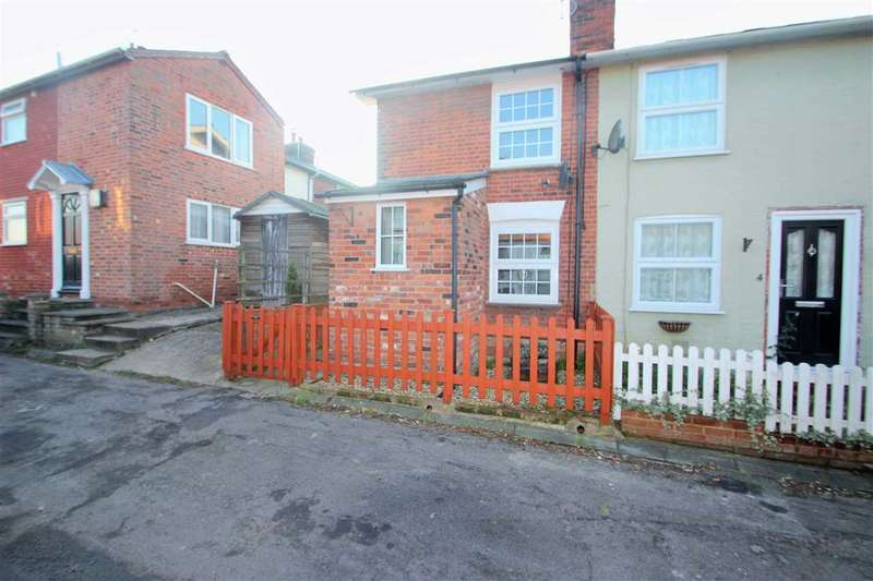 2 Bedrooms Semi Detached House for sale in West Street, Rowhedge, Colchester