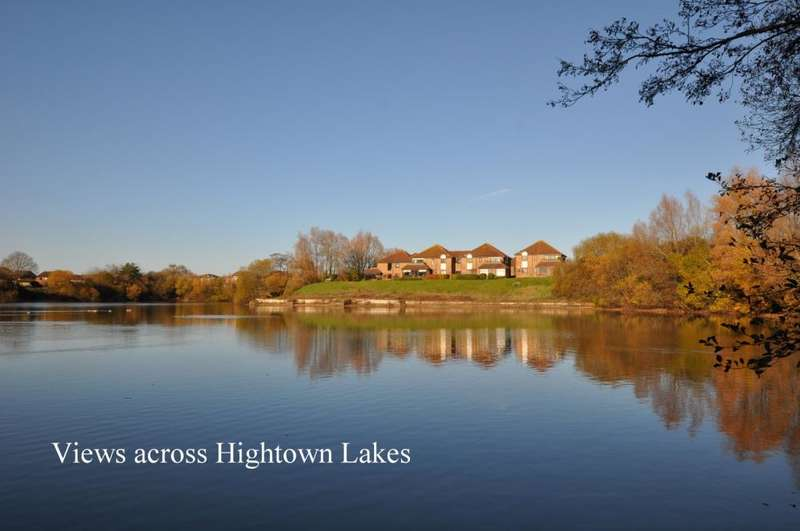 3 Bedrooms Apartment Flat for sale in Hightown, Ringwood, BH24 1QY