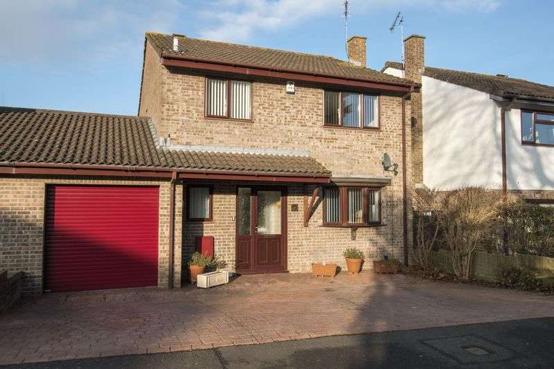 4 Bedrooms Detached House for sale in Courtenay Road, Keynsham