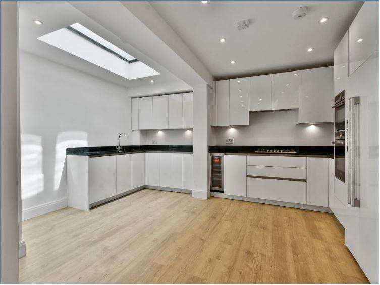 2 Bedrooms Flat for sale in Haverstock Hill Steeles Village NW3