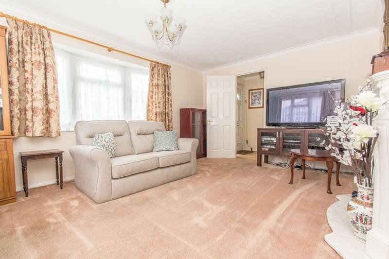 3 Bedrooms Park Home Mobile Home for sale in Creek Road, Canvey Island, SS8