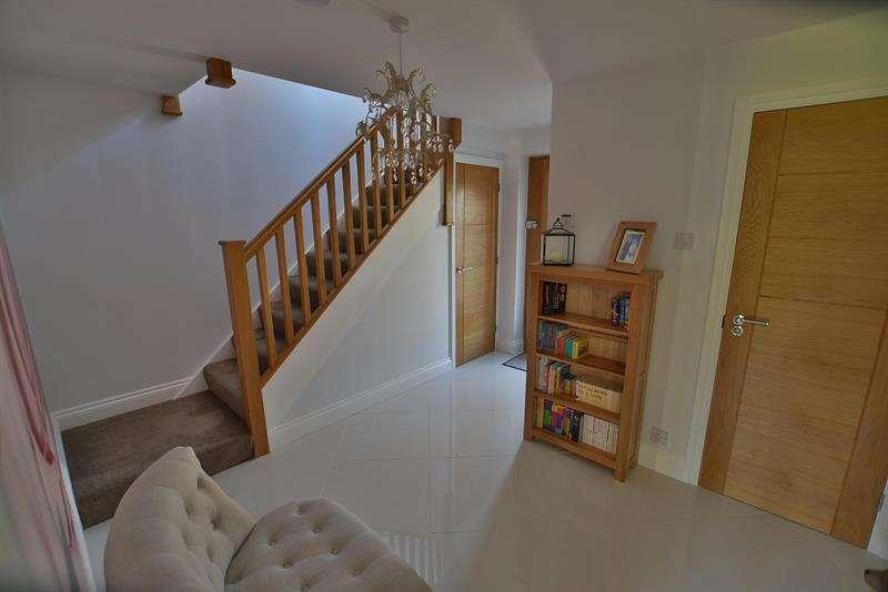 4 Bedrooms House for sale in Riverside Road, West Moors, Ferndown