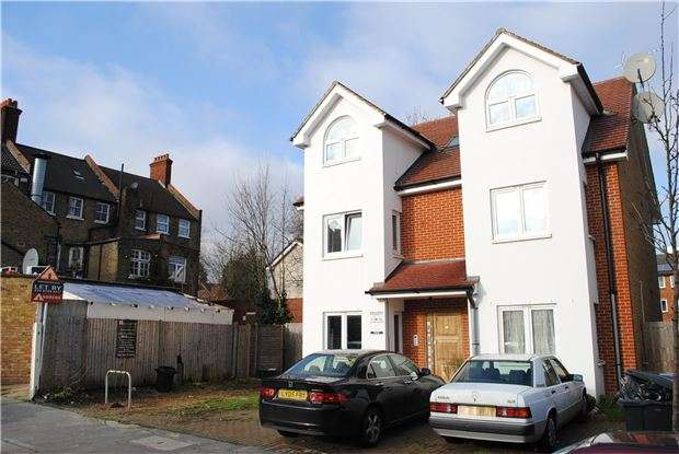 2 Bedrooms Flat for sale in Melrose Avenue, Norbury, London, SW16