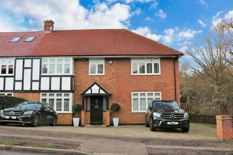 5 Bedrooms Semi Detached House for sale in Coolgardie Avenue, Chigwell