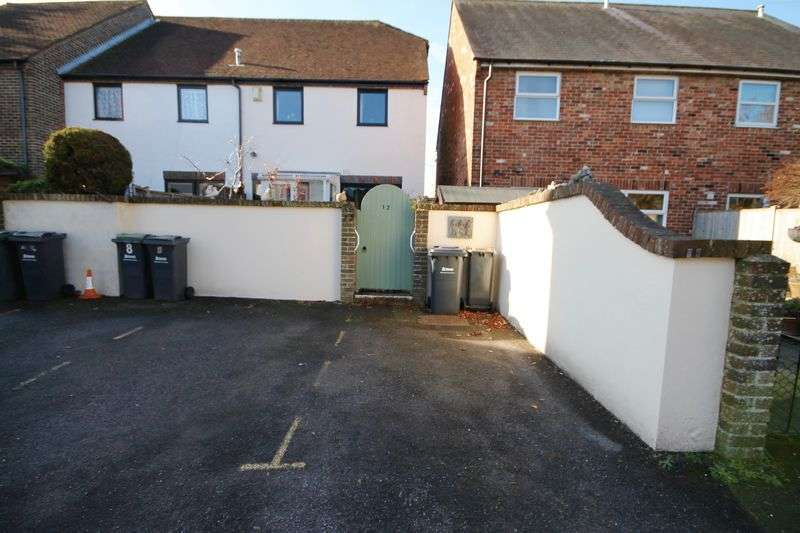 3 Bedrooms Semi Detached House for sale in Kings Terrace, Emsworth