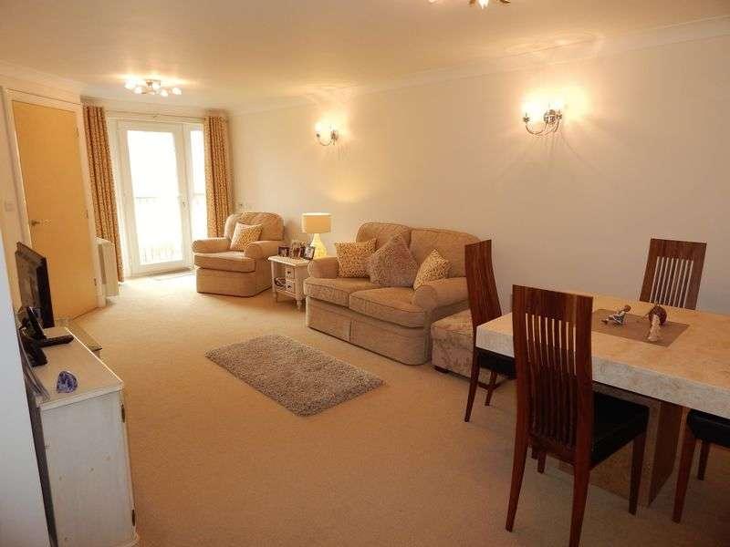 2 Bedrooms Flat for sale in Ashton View, Lytham St. Annes, Lancashire