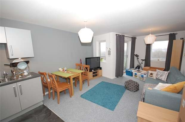 2 Bedrooms Flat for sale in 2a The Waterfront, Openshaw, MANCHESTER