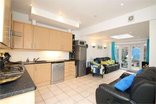2 Bedrooms Flat for sale in Avondale Road, N13
