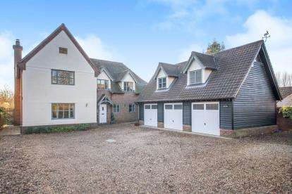 5 Bedrooms Detached House for sale in Bentley, Ipswich, Suffolk