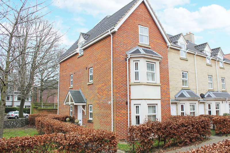 4 Bedrooms Town House for sale in Kenneth Mckee Plain, Norwich, NR2