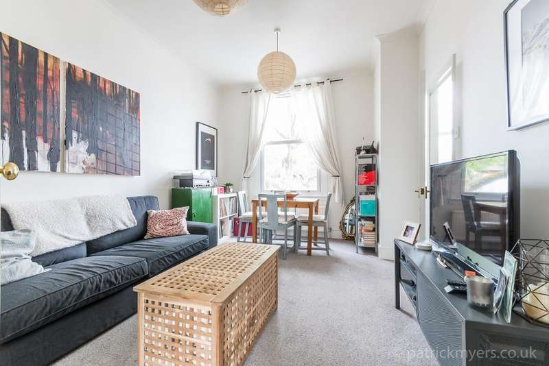 1 Bedroom Flat for sale in Lordship Lane, East Dulwich, London, SE22 8HA