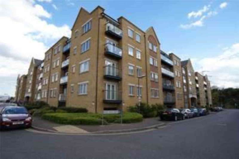2 Bedrooms Apartment Flat for sale in Black Eagle Drive, Gravesend