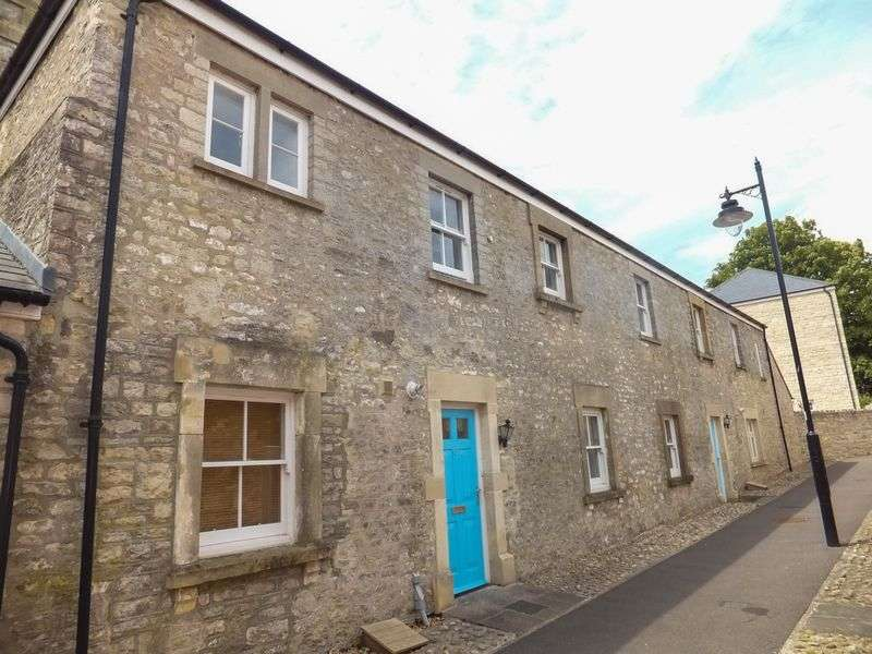 2 Bedrooms Semi Detached House for sale in Hazel Walk, Shepton Mallet