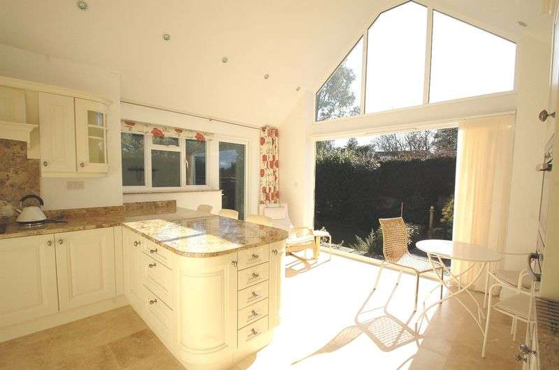2 Bedrooms Detached Bungalow for sale in Prestwood