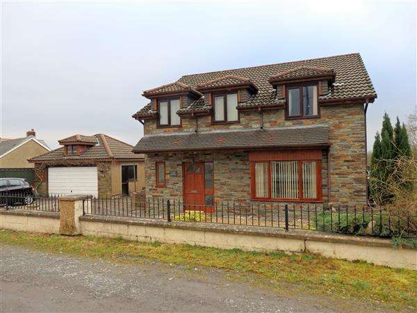3 Bedrooms Detached House for sale in Waterloo Terrace, CAPEL HENDRE, Ammanford