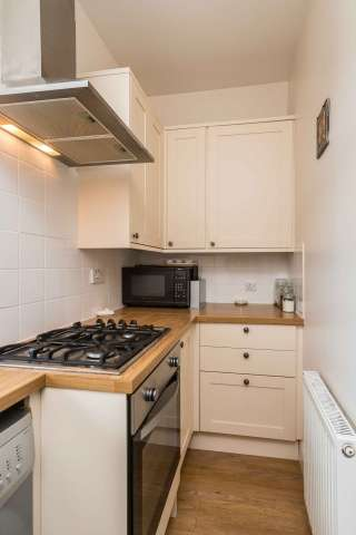 3 Bedrooms Villa House for sale in Thistle Street, Galashiels, TD1 1LX