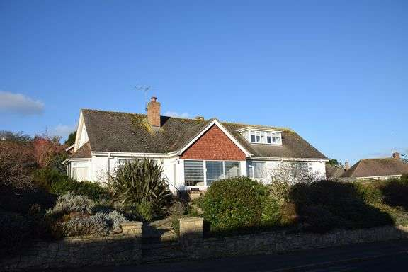 4 Bedrooms Detached Bungalow for sale in Sidlands, Sidmouth