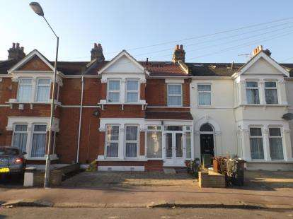 7 Bedrooms Terraced House for sale in Dagenham, London, United Kingdom