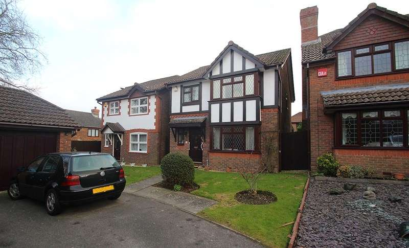 3 Bedrooms Detached House for sale in Coghlan Close, Fareham