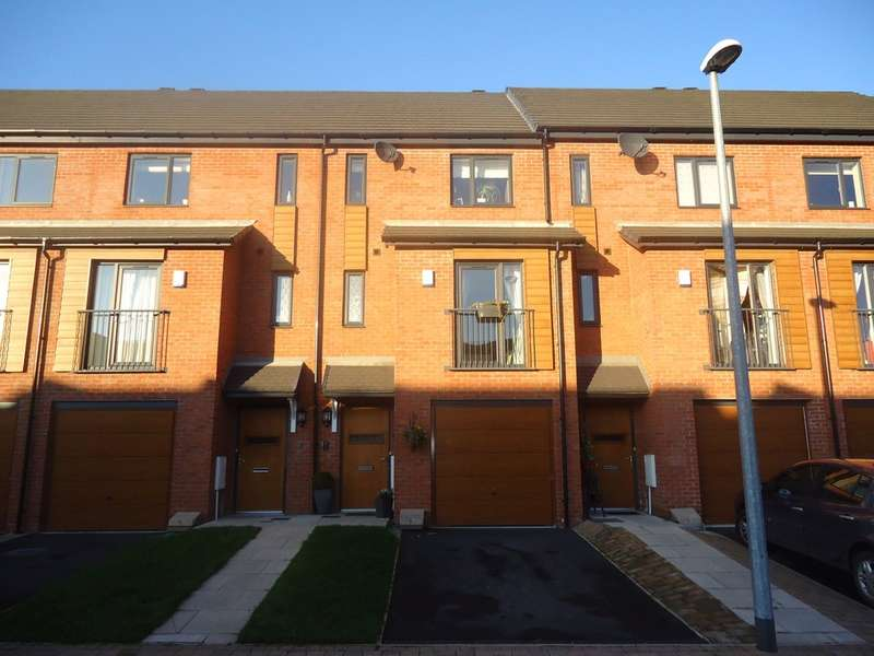 3 Bedrooms Town House for sale in Chaucer Way, Salford, M7