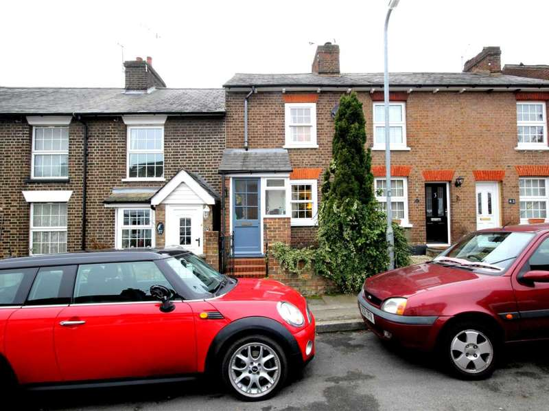 2 Bedrooms Cottage House for sale in 2 DOUBLE BEDROOM COTTAGE IN Puller Road, Boxmoor