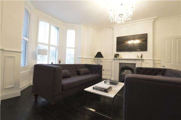 2 Bedrooms Flat for sale in St. James Road, HASTINGS, East Sussex, TN34