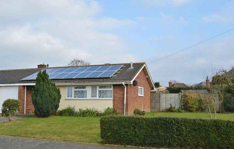 3 Bedrooms Semi Detached Bungalow for sale in Debourne Close, Cowes