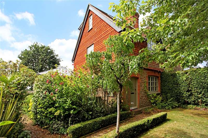 3 Bedrooms Semi Detached House for sale in Lime Kiln Cottages, Dunsfold Road, Loxhill, Godalming, GU8