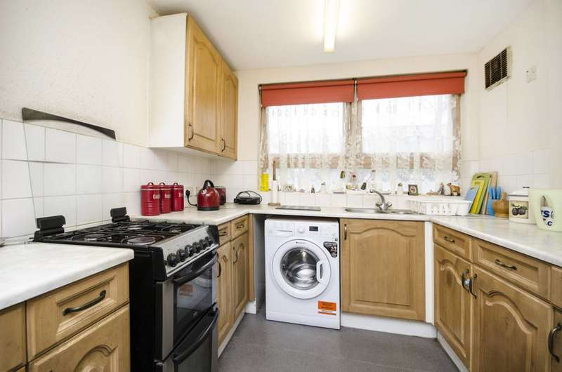 3 Bedrooms House for sale in Napolean Road, Clapton, E5