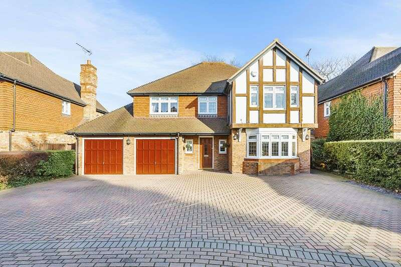 6 Bedrooms Detached House for sale in Shears Close, Wilmington