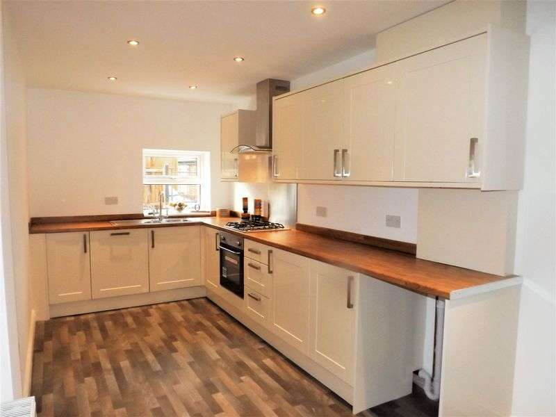 3 Bedrooms Semi Detached House for sale in WARGRAVE ROAD, NEWTON-LE-WILLOWS