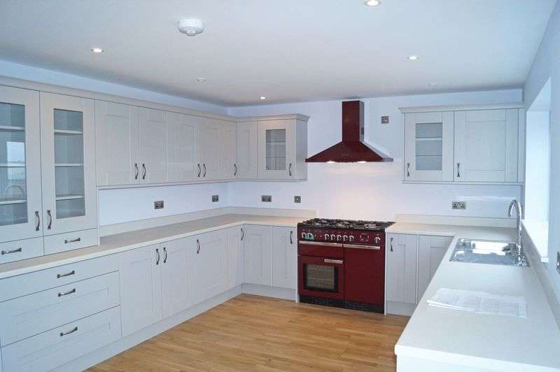 3 Bedrooms Detached House for sale in Hermon, Bodorgan, Anglesey