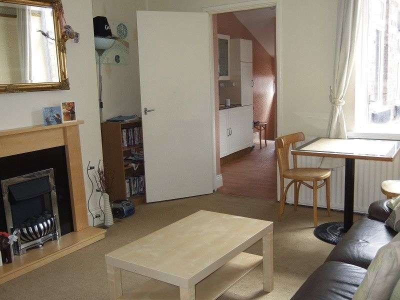 4 Bedrooms Flat for rent in Biddlestone Road, Newcastle Upon Tyne